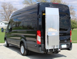 Accesories-lift-gate-tommy-cargo-van-cantilever