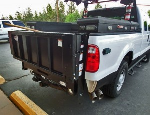 Accesories-lift-gate-tommy-white-truck